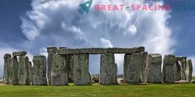 L'incident de Stonehenge - 1971. 5 touristes disparus lors d'un orage