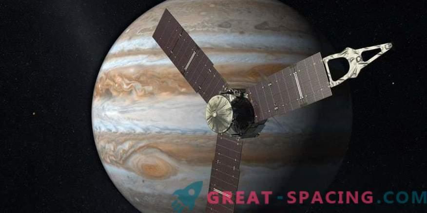 Juno glisse pour la troisième fois les nuages de Jupiter